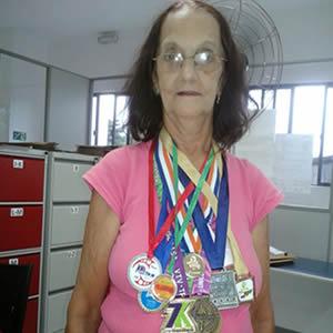 Sra. Maria Marques da Silva, trabalhadora da Categoria do Asseio e Conservação (Empresa GRSA) e Maratonista